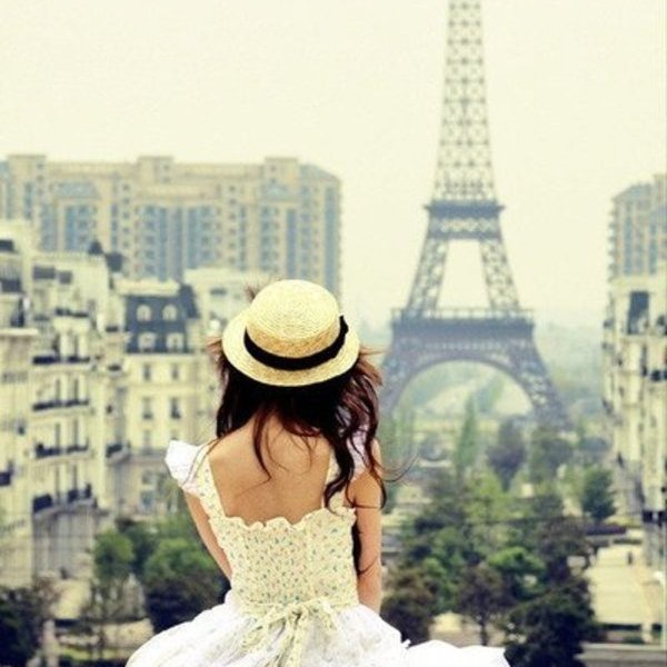 girl-in-Paris1